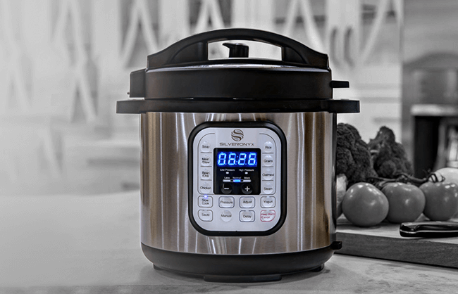 Click instant pot lifestyle image to play instant pot 360 video