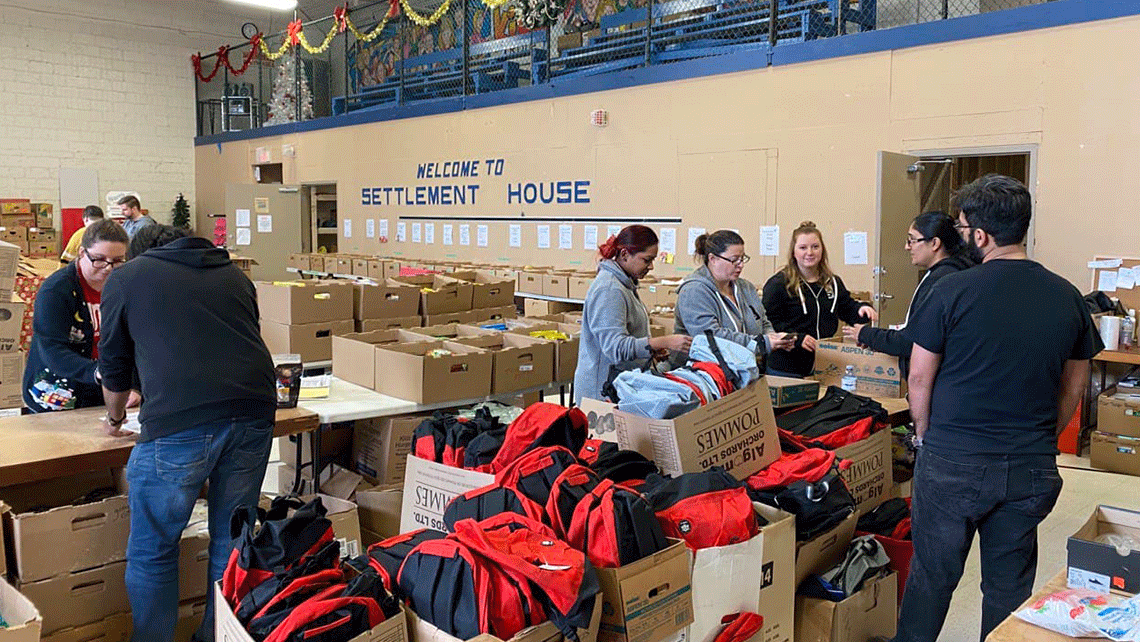 geekspeak team members volunteering at the Simcoe Settlement House