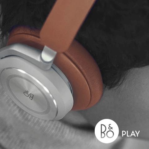 B&O headphones lifestyle image